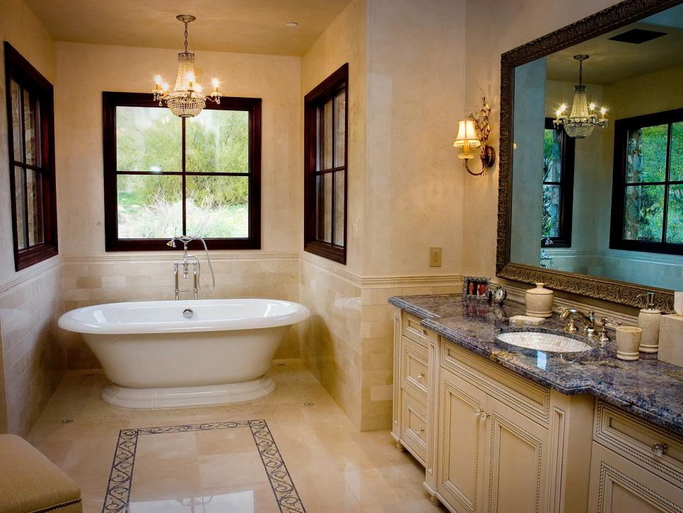 Traditional bathroom design ideas and photos maxton builders - Bathroom design ideas italian ...